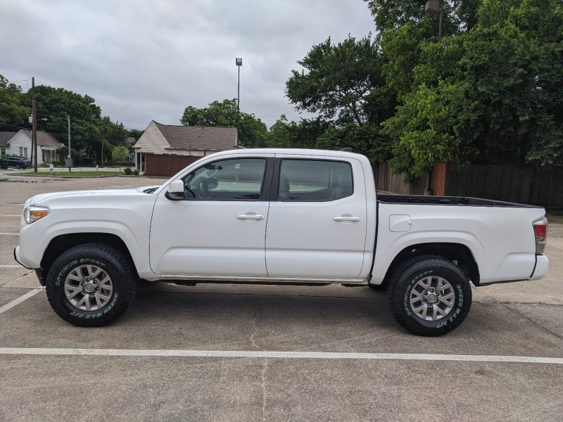 Toyota Tacoma 2018 price $36,100