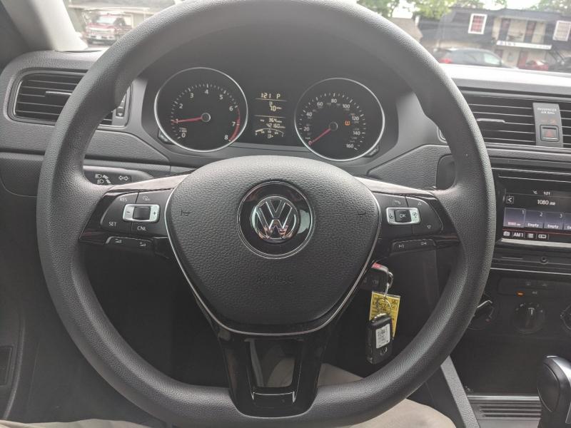 Volkswagen Jetta Sedan 2016 price $13,900
