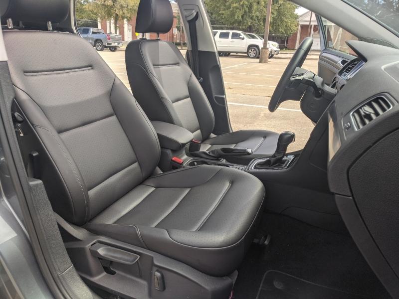 Volkswagen Golf 2021 price $18,900