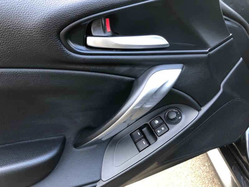 Fiat 124 Spider 2017 price $13,999