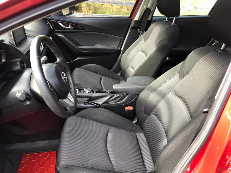Mazda Mazda3 2015 price $9,350