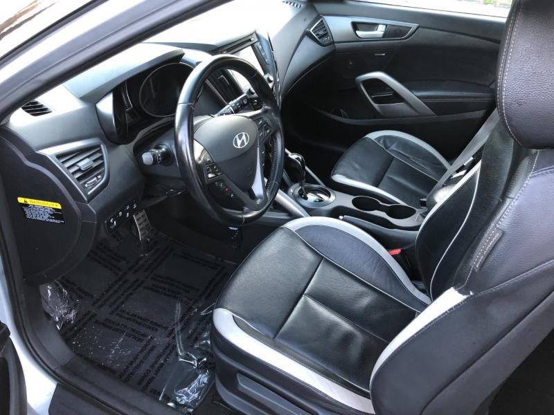 Hyundai Veloster 2015 price $9,350