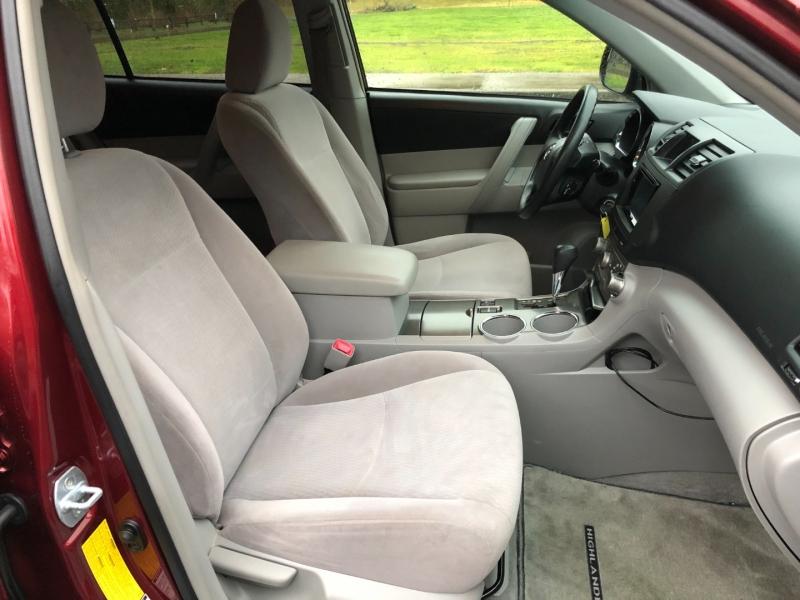 Toyota Highlander 2008 price $9,750