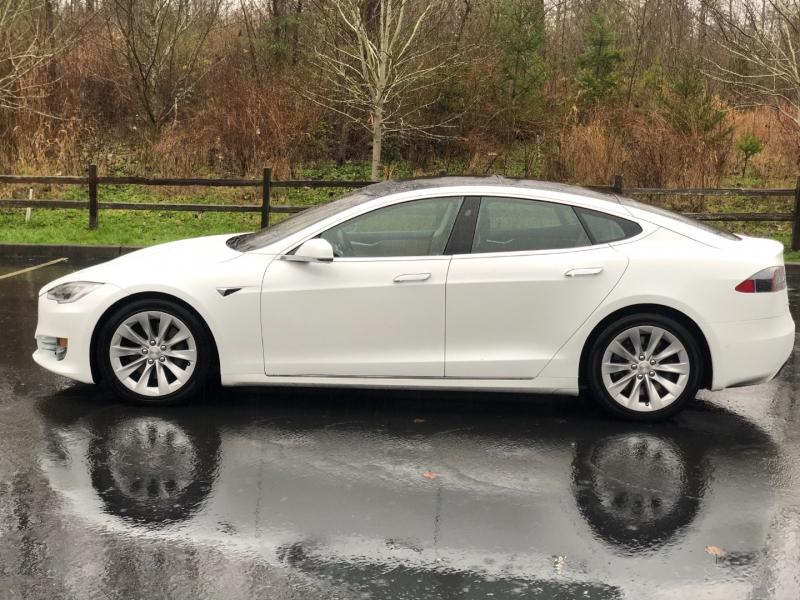 Tesla Model S 2016 price $49,995