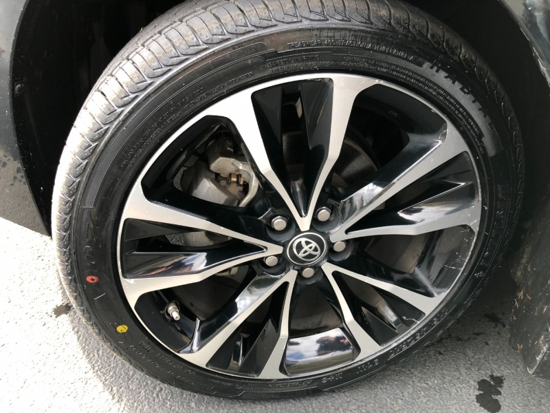 Toyota Corolla 2018 price $14,975