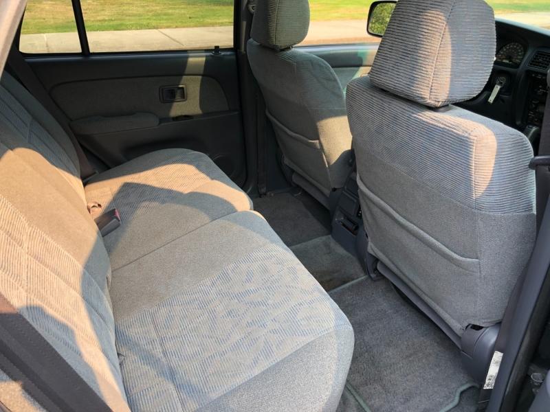 Toyota 4Runner 2000 price $26,500
