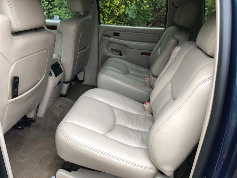 Cadillac Escalade ESV 2005 price $9,999