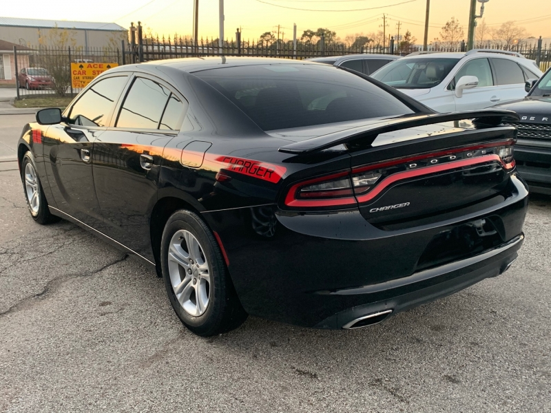 Dodge Charger 2016 price $14,980
