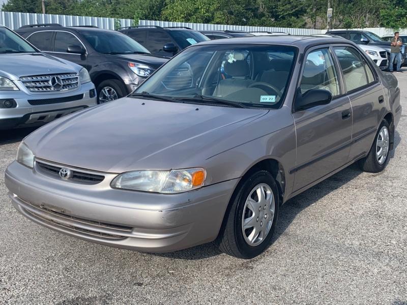 Toyota Corolla 2000 price $3,980