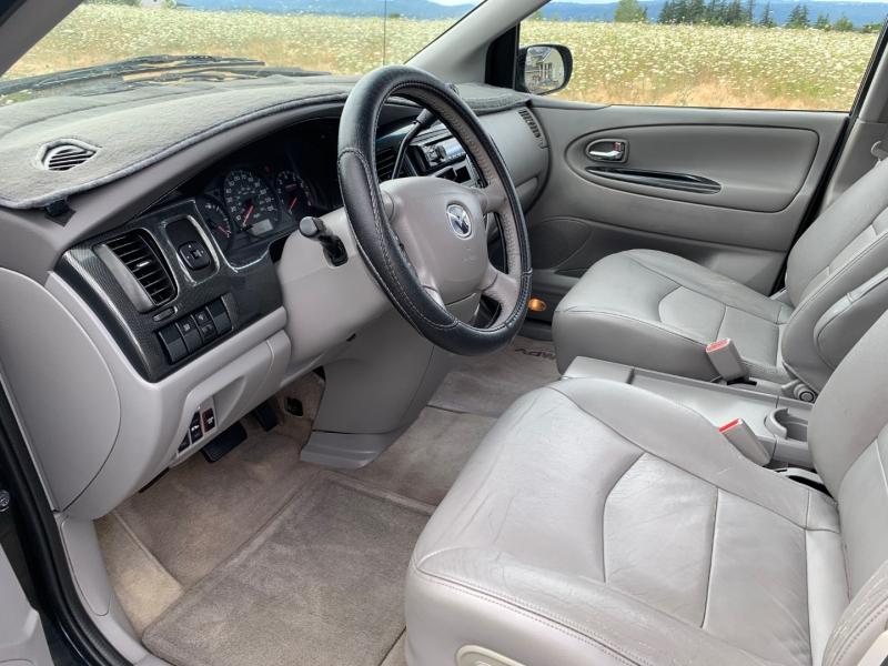 Mazda MPV 2003 price $4,995