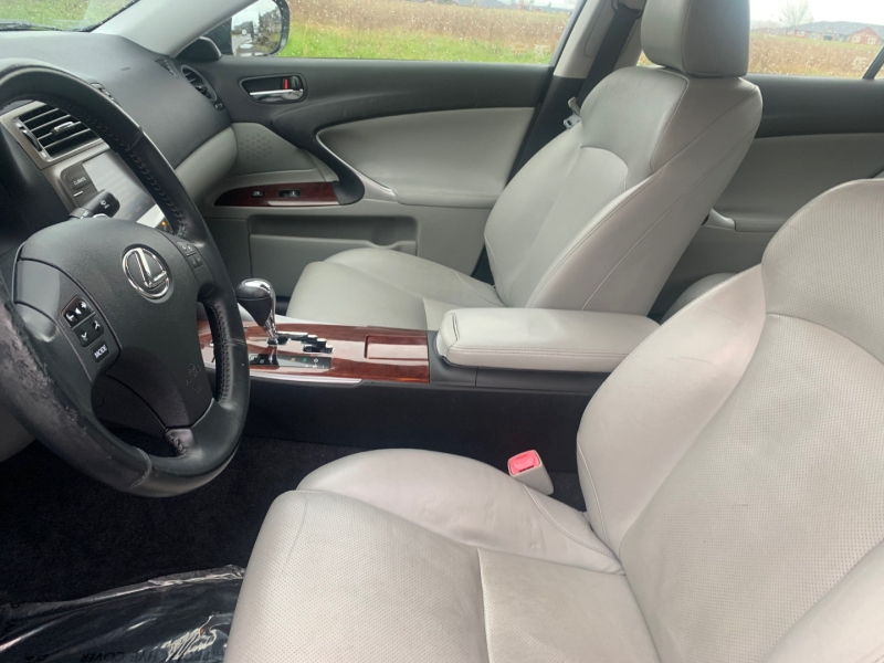 Lexus IS 350 2006 price $8,295