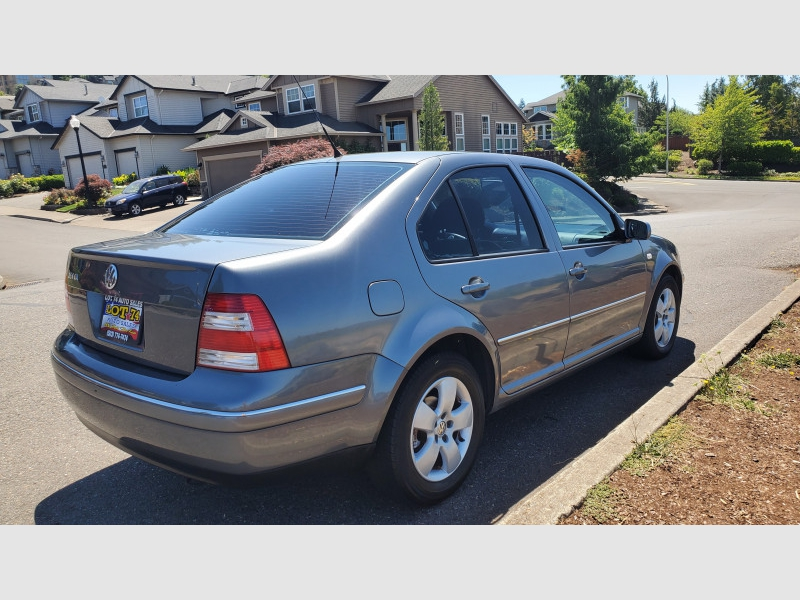 Volkswagen Jetta Sedan 2004 price $3,995