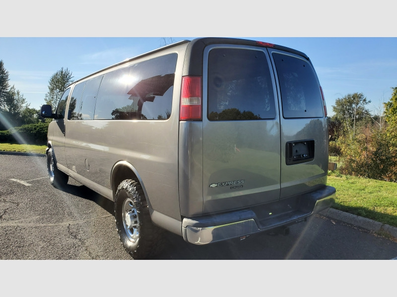 Chevrolet Express Passenger 2007 price $7,995