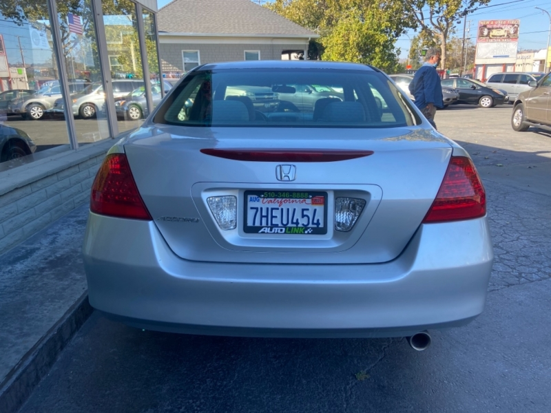 Honda Accord Sdn 2006 price $7,399