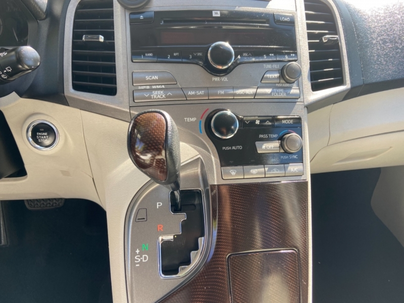 Toyota Venza 2009 price $14,995