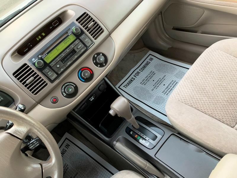Toyota Camry 2004 price $5,700
