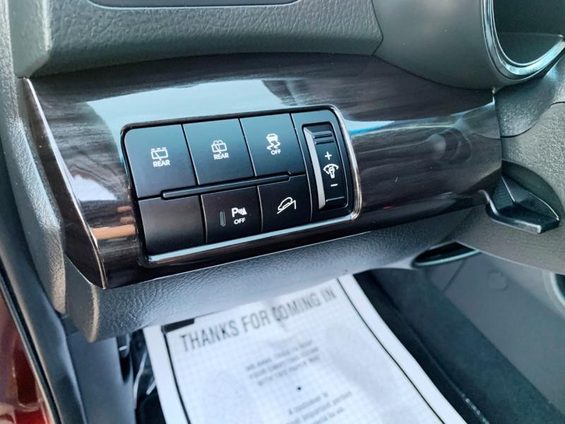 Kia Sorento 2011 price $9,000