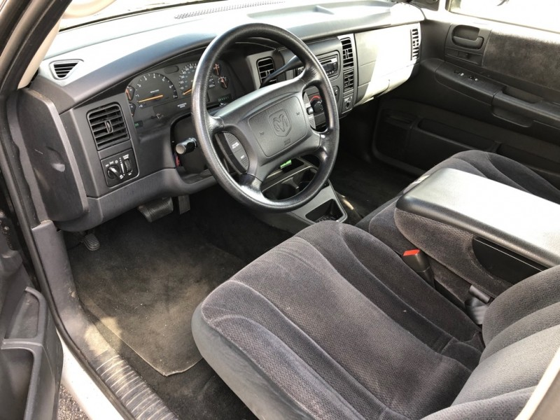 DODGE DAKOTA 2WD 2001 price $3,995