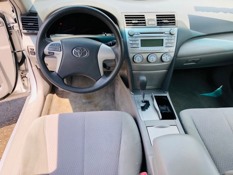 TOYOTA CAMRY LE 2011 price $5,995