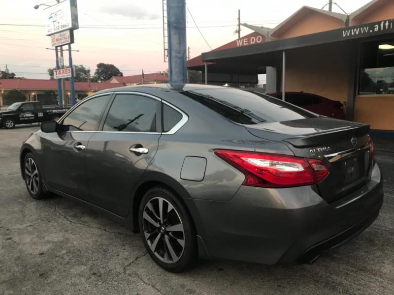 Nissan Altima 2016 price $10,499