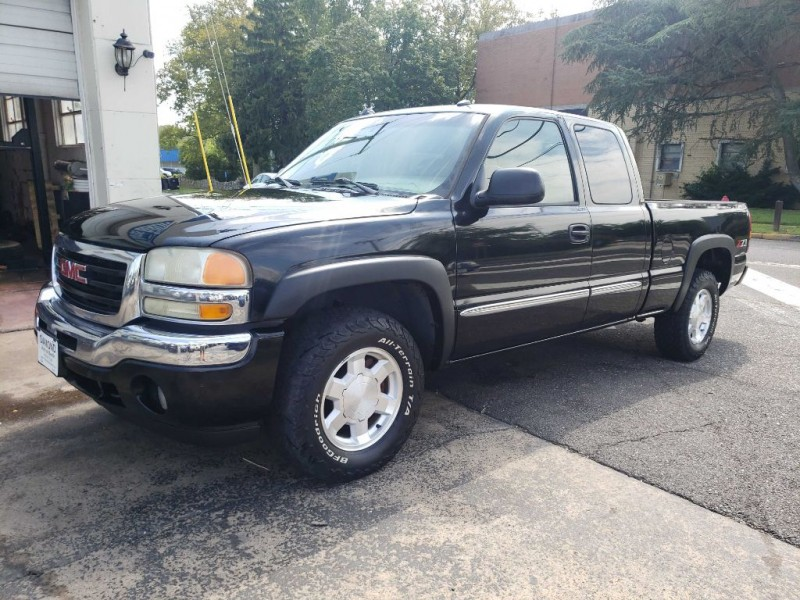 GMC NEW SIERRA 2005 price $5,400