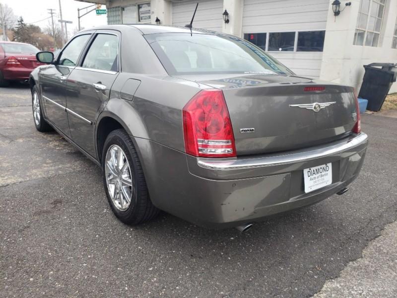 Chrysler 300C 2008 price 4999