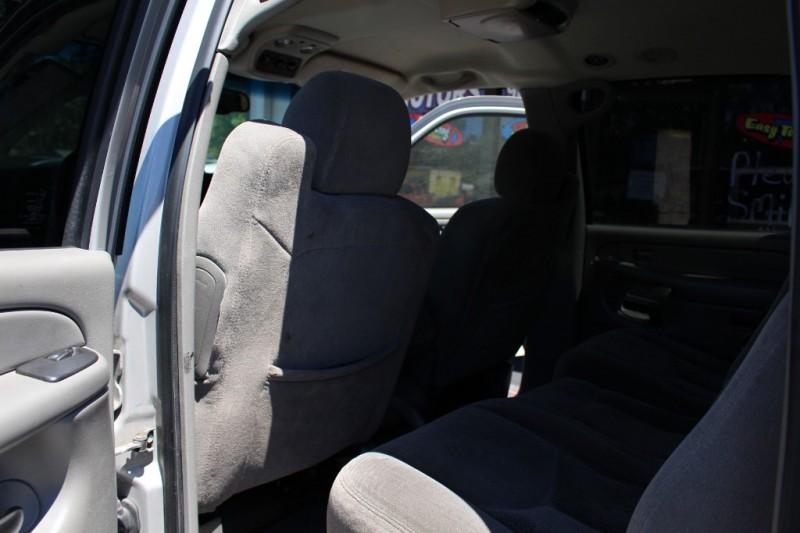 CHEVROLET SUBURBAN 2006 price $3,500