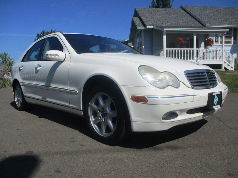 MERCEDES-BENZ C-CLASS 2004 price $4,000