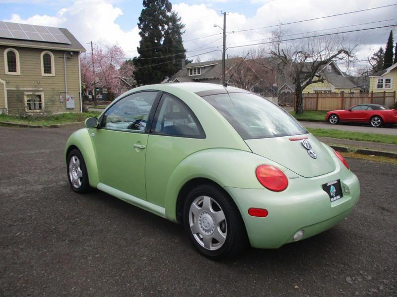 Volkswagen NEW BEETLE 2001 price $4,250