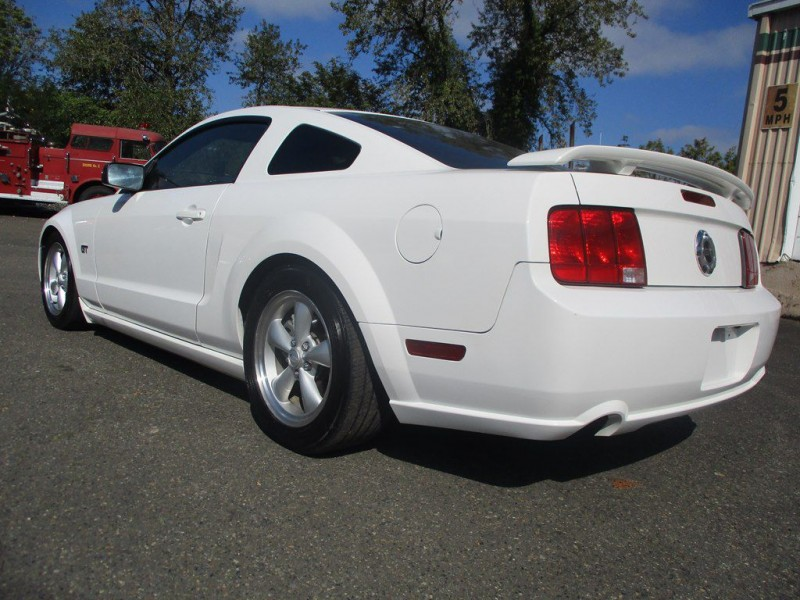 FORD MUSTANG 2007 price $8,000