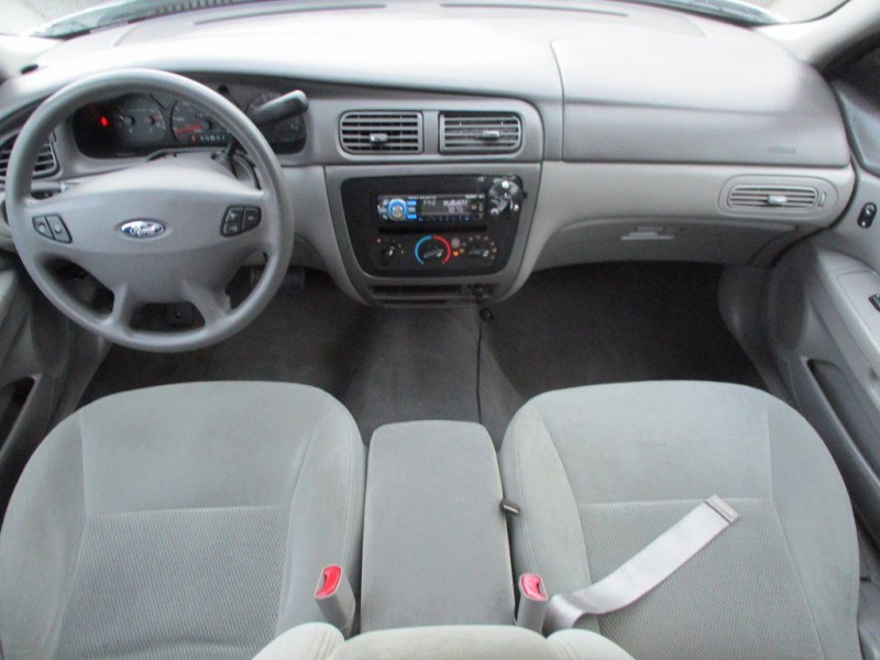 FORD TAURUS 2003 price $2,500