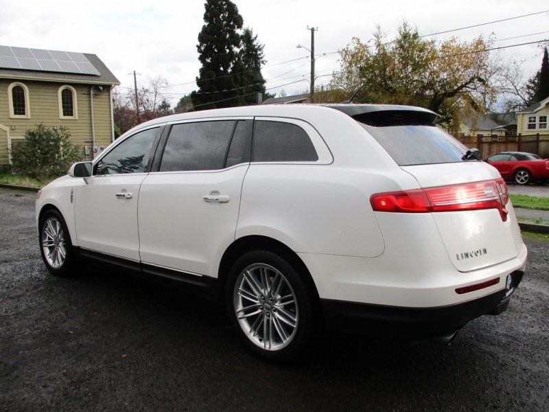 LINCOLN MKT 2014 price $15,999