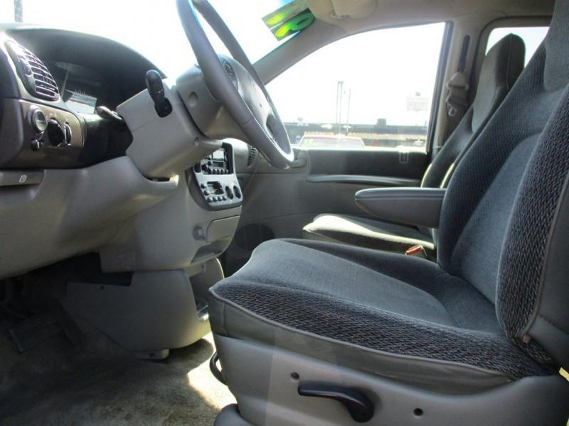 Dodge GRAND CARAVAN 1997 price $2,500