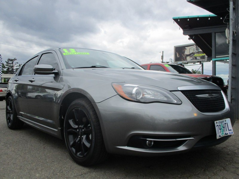 CHRYSLER 200 2013 price $9,950