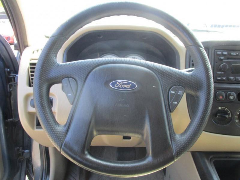 FORD ESCAPE 2005 price $4,500