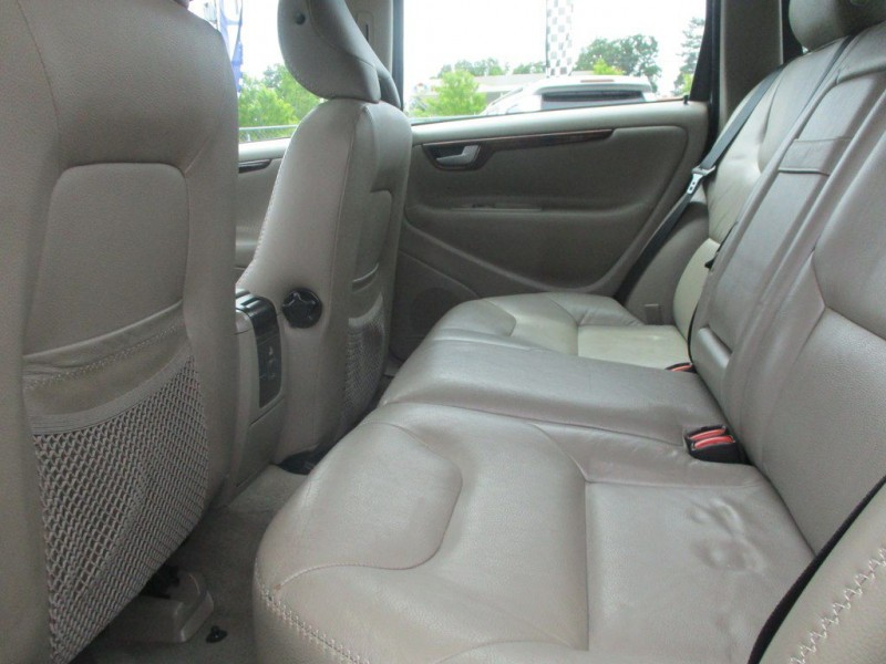 VOLVO XC70 2007 price $4,999