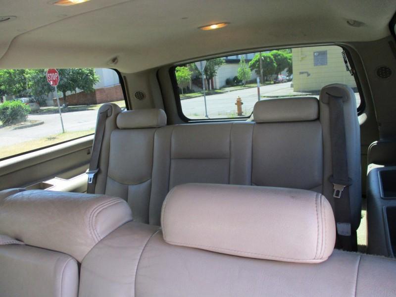 CHEVROLET SUBURBAN 2003 price $7,999