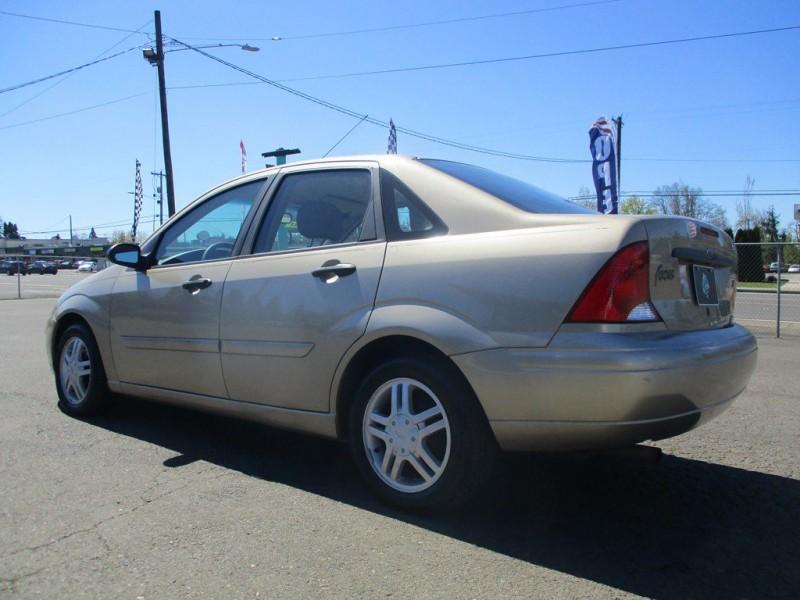FORD FOCUS 2002 price $2,599