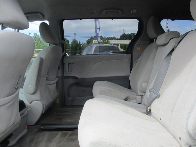 TOYOTA SIENNA 2012 price $14,999