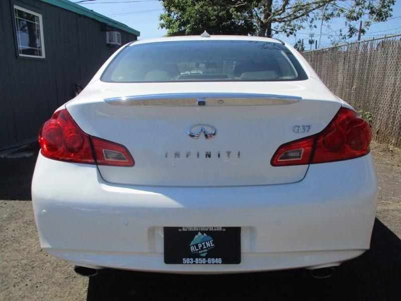 INFINITI G37 2013 price $16,999