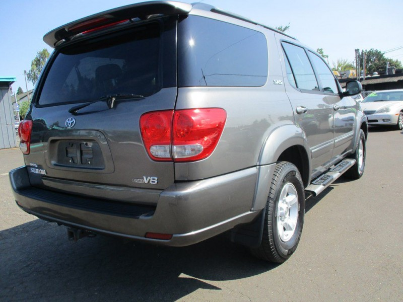 TOYOTA SEQUOIA 2006 price $8,500