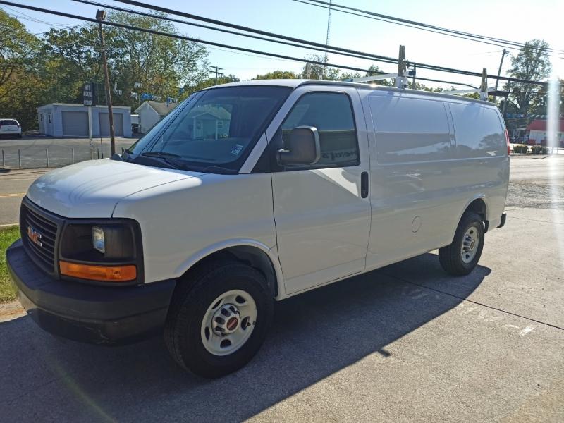 GMC Savana Cargo Van 2015 price $14,900