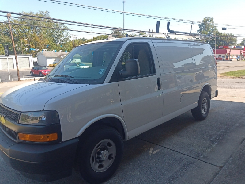 Chevrolet Express Cargo Van 2018 price $20,500
