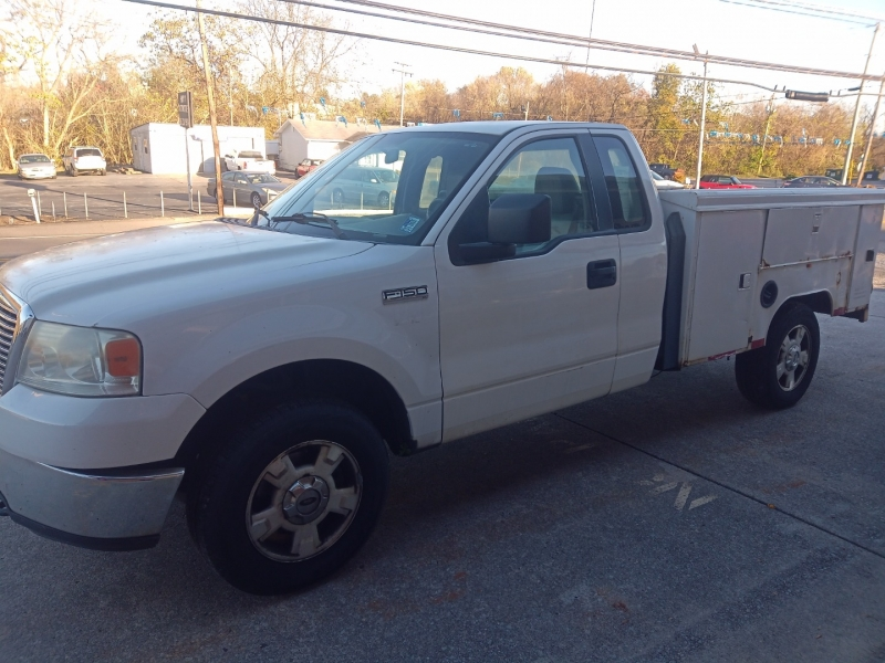 Ford F-150 2006 price $2,900