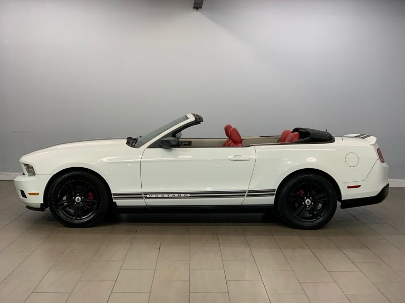 Ford Mustang 2010 price $10,995