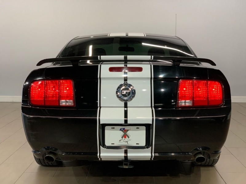 Ford Mustang 2006 price $10,995