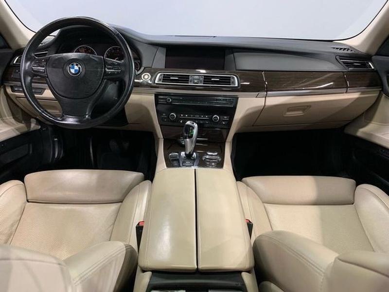 BMW 7 Series 2011 price $26,995