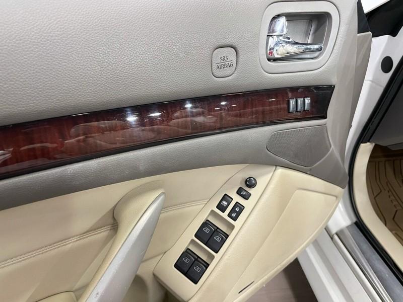 Infiniti G37 Convertible 2010 price $15,995