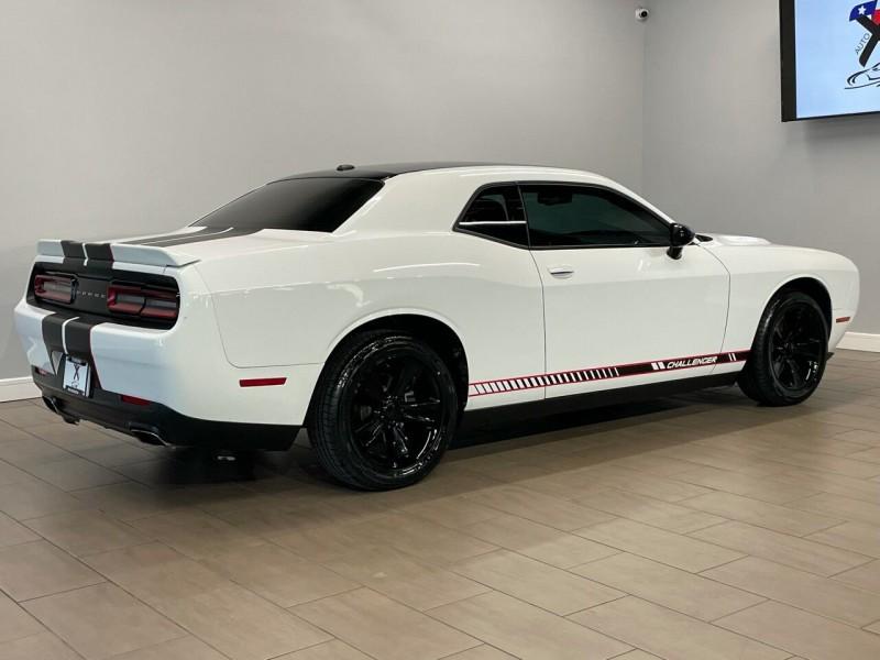 Dodge Challenger 2017 price $23,995