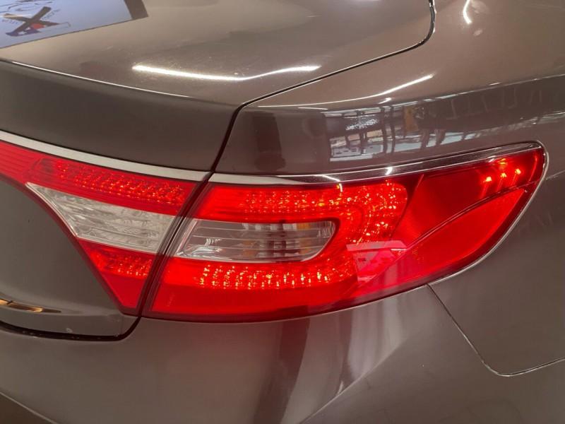 Hyundai Azera 2016 price $18,995